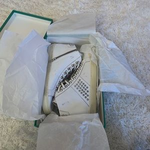 BRAND NEW IN BOX LEATHER CROWN SHOES